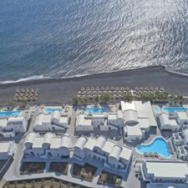 Costa Grand Resort & Spa (5*) – Santorin